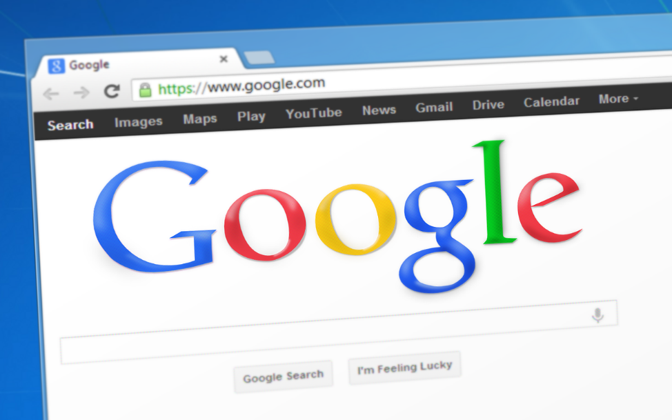 Recomendaciones al comprar un hosting y dominio